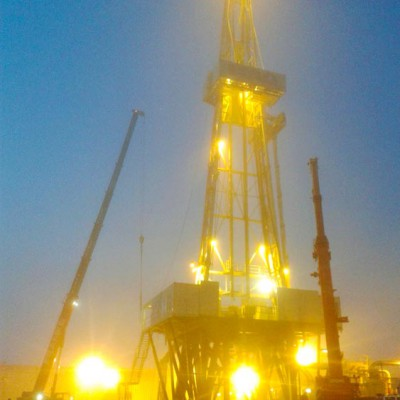 Installation during Drill Tower Construction with a Hüffermann Crane