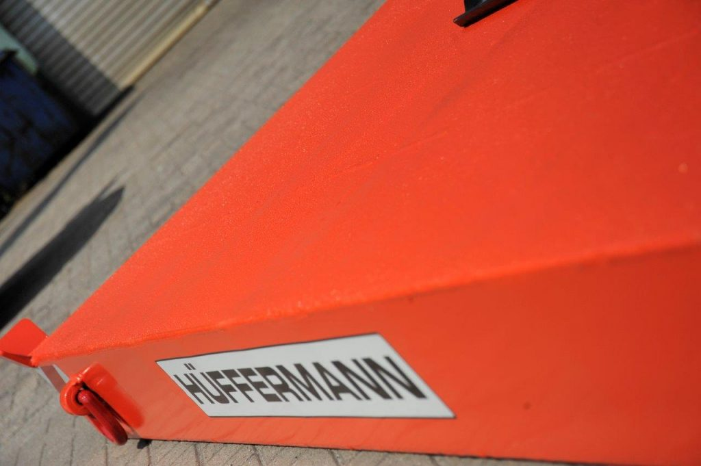 Kran-Abstützplatten-Hüffermann-Stützkraft-Kranunternehmen