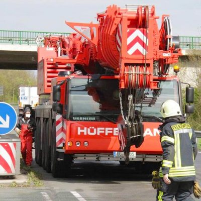 Baustellenabsicherung, Verkehrstechnik, Verkehrssicherung, Hüffermann Krandienst