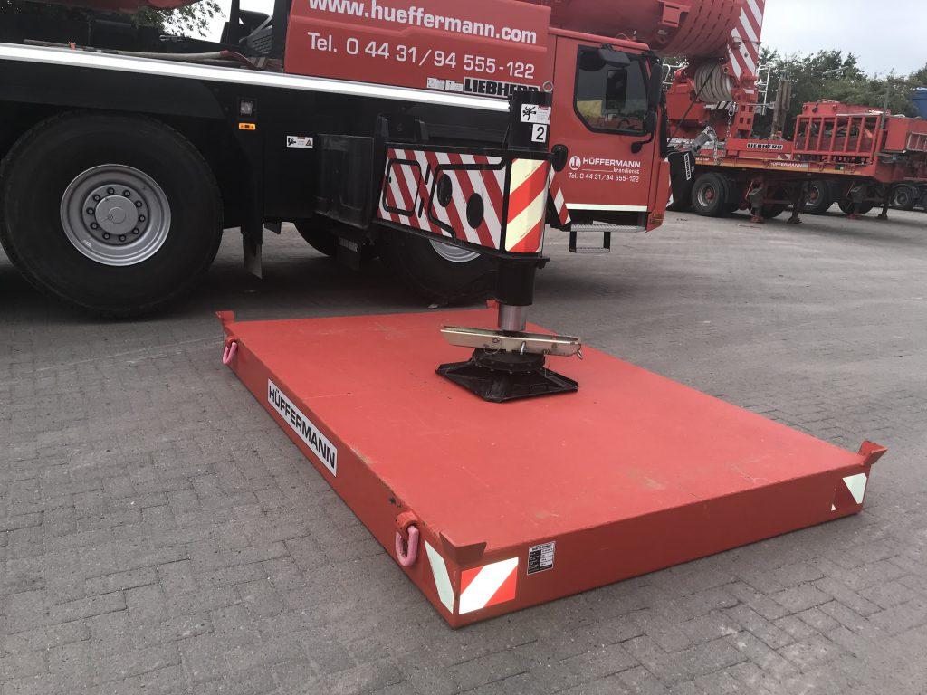 Kranabstützplatten, Hüffermann Sonder-Fahrzeugbau, Kranlogistik