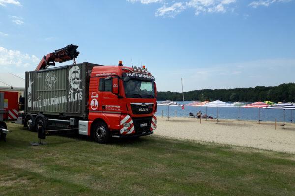 Container Logistik - Verladen und Transportieren von Containern mit Hüffermann