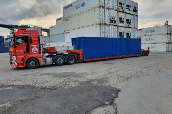 Containertransport - Transporte - Spezialtransporte europaweit mit Hüffermann