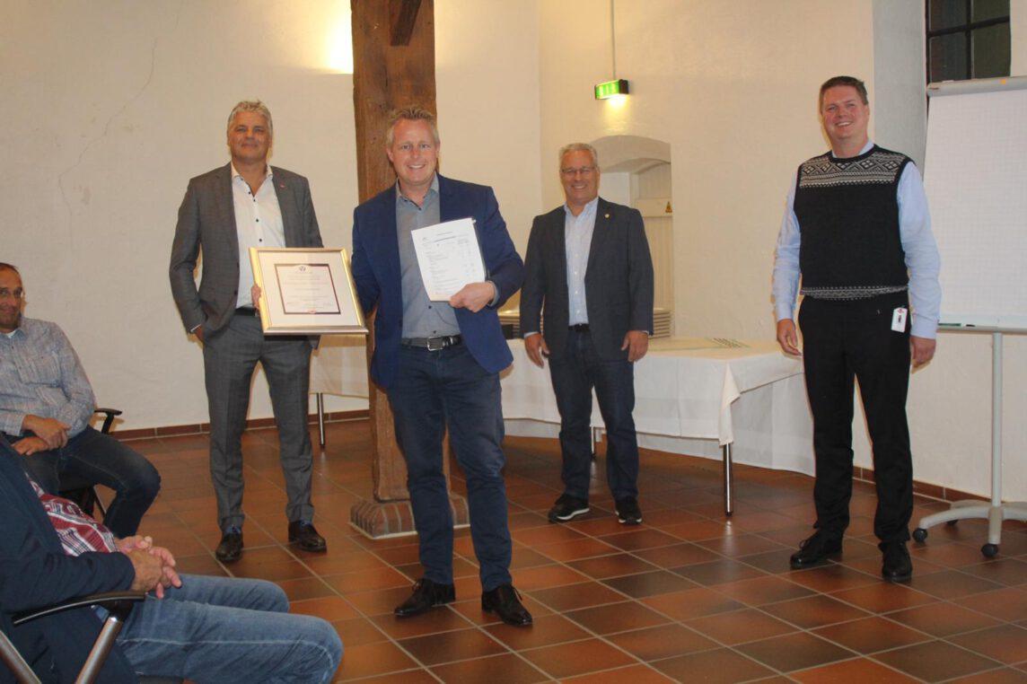 DOW Safety Award an Hüffermann Krandienst - Auszeichnung