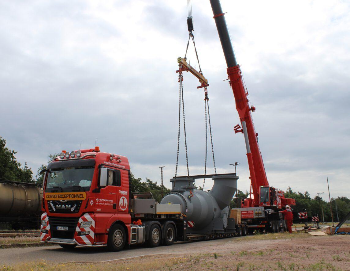 Maschinentransport - Kranarbeiten LTM 1160 mit Hüffermann